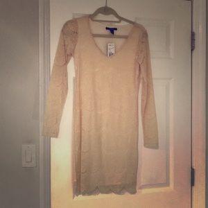 NWT long sleeve lace dress